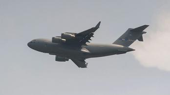 Bizottság vizsgálja az osztrákoknál, miért repült ennyire alacsonyan a magyar felségjelű C–17-es