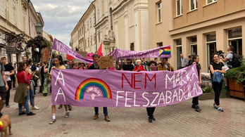 A pécsi polgármester kiment a testületi ülésről a Pride miatti uszításra hivatkozva