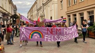 Több mint kétezren vonultak az első vidéki Pride-on