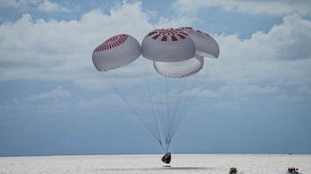 Visszatértek a Földre az amatőr űrhajósok