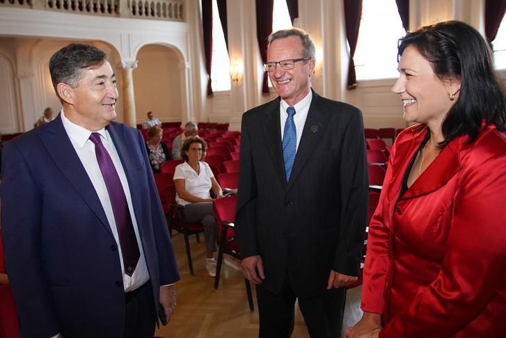 Mészáros Lőrinc, Herbert Gábor elnökségi tag, NOE, Kardosné Gyurkó Katalin elnök, NOE