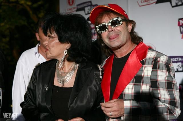 Szikora Róbert Dollyval