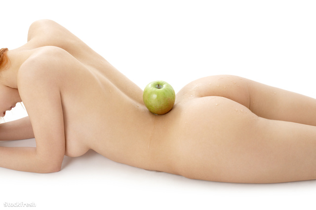 stockfresh 18906 naked-redhead-with-green-apple-on-her-spine siz