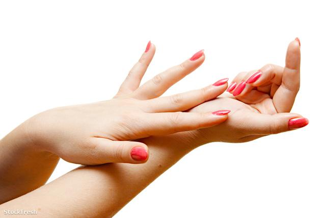 stockfresh 134136 woman-hands sizeM