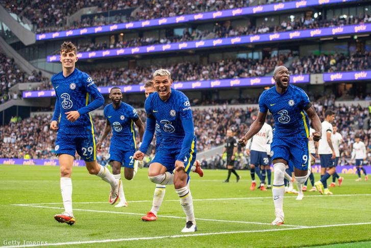 Thiago Silva (középen) kezdte a gólgyártást