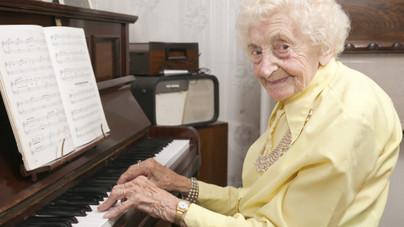 Hogy lehet 100 évesen is szellemileg frissnek maradni?