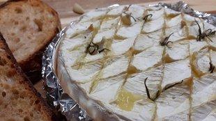 Sült fehérpenészes sajt avagy fondü háncsdobozban