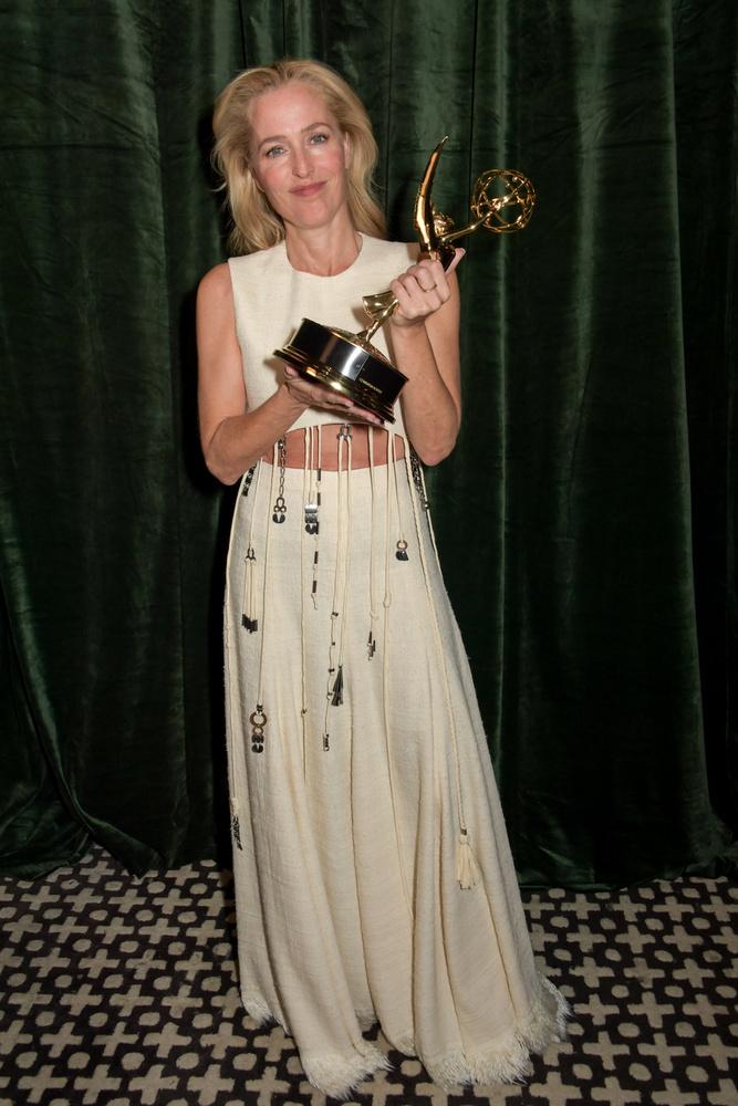 Gillian Anderson ruháját a Chloé divatház adta