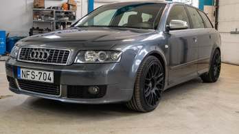 Fotelnepper: Audi S4 Avant Quattro (B6) - 2004.