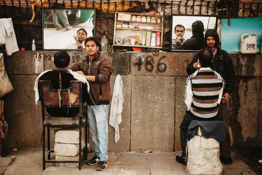 Az európai szemnek furcsa utcai borbélyok India minden nagyobb városában megtalálhatóak.