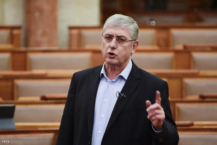 Gyurcsány Ferenc, a DK frakcióvezetője, elnöke napirend előtt szólal fel az Országgyűlés plenáris ülésén 2021. május 31-én