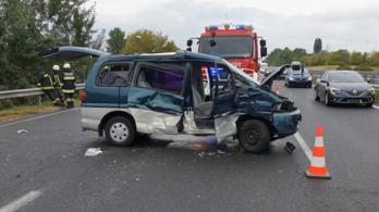 Horvát kamionnal ütközött egy német autó az M7-esen