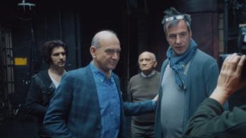 Ecc-pecc, és máris magyar vígjátékfilmet nézhetünk a Dunán