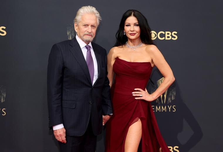 Karmikus, sorsszerű találkozás az övék, hiszen amellett, hogy napra pontosan 25 év köztük a korkülönbség, úgy tűnik, élethosszig tartó a kapcsolat fűzi össze Michael Douglast és feleségét, Catherine Zeta-Jonest