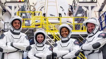 Támadt egy kis gondja az űrvécével az amatőr űrhajósoknak