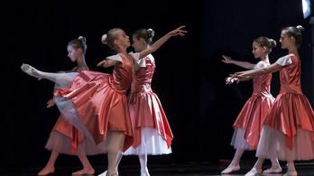 Vasárnap táncra perdül az ország