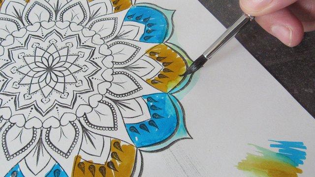 Nyugalomterápia színekkel és formákkal
