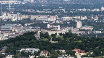 Bőkezűen támogatja a kormány a fideszes fővárosi kerületeket