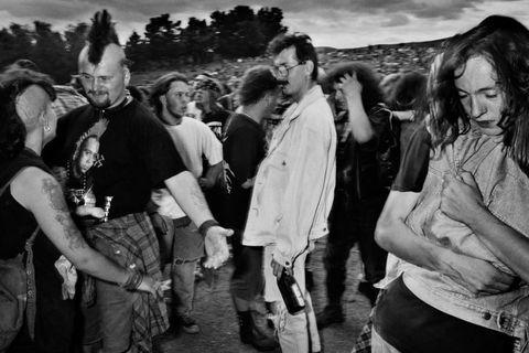 Mindennapi életképek a '90-es évek Kelet-Európájából: így látta a magyarokat a belga fotós