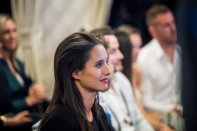 Az év legfittebb színésznője a képen látható Trokán Nóra.