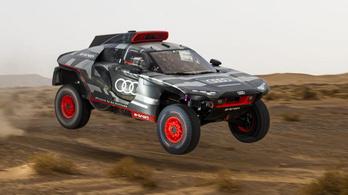 Versenyzőlegendák kínozták az Audi Dakar-szörnyét
