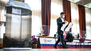 Ellenőrző bizottság: minden rendben volt a moszkvai szavazáson