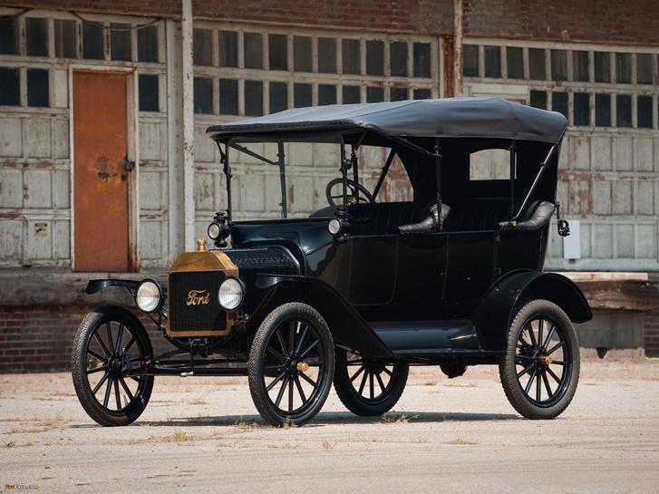 Másfél évtized alatt 15 milllió darab készült a Ford Model T-ből. Volt olyan esztendő, ami alatt másfél milliót gyártottak belőle. És mindennek lassan száz éve