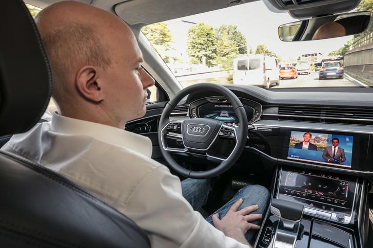 Jelenleg az autóipar nagy reménysége az önvezető technológia. A jelek szerint a pénzemberek is hisznek benne. Tehát?