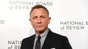 James Bond megkapta a rendfokozatát a haditengerészetnél