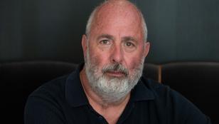 Meghalt Roger Michell, a Sztárom a párom rendezője