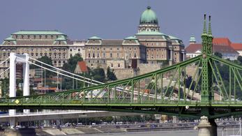 Alig marad járható híd hétvégén Buda és Pest között