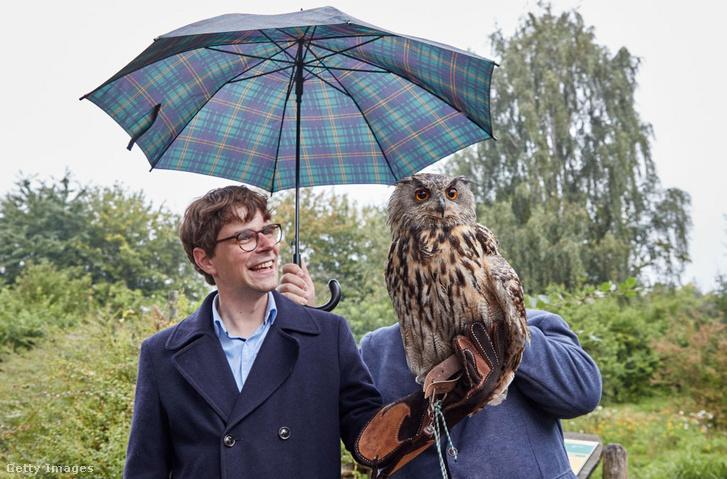Georg Günther egy bagollyal barátkozott össze.