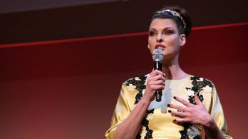 Linda Evangelista 50 millió dollárra perli a zsírleszívásait végző céget