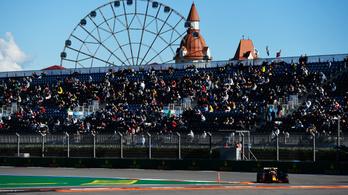 Mercedes-uralom pénteken, Verstappen nagy hátrányba került a futamra