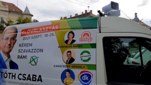 Hangosbemondós kisbusszal turnéznak Zuglóban azzal, hogy Hadházy Ákos hazudott