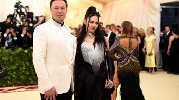 Elon Musk szakított a párjával