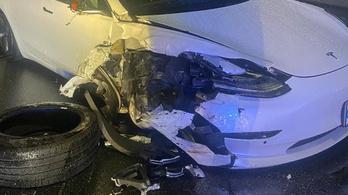 Rendőrautóba csapódott a Tesla, de már frissítik az Autopilotot