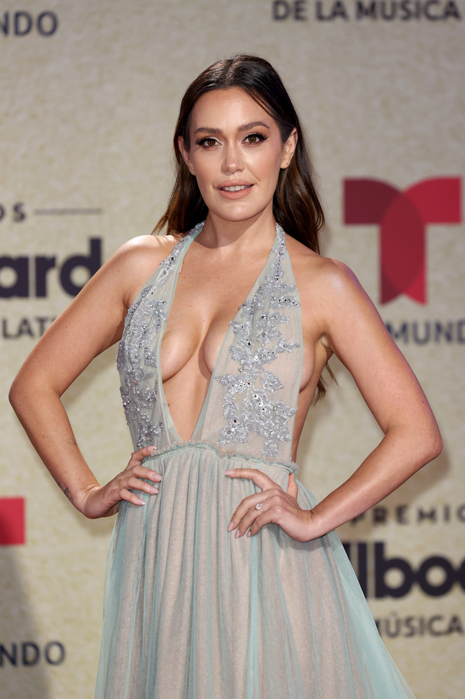 A 2021-es Billboard Latin Music Awards - amely a latin zene, filmek és televíziózás legjobbjainak háromórás ünnepe - vörös szőnyegéről hoztam pár sokat mutató fotót