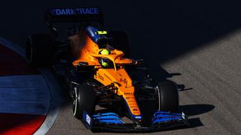 Kaotikus végkifejlet: Lewis Hamilton 100. futamgyőzelmét szerzi Szocsiban