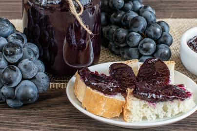 Sűrű, édes szőlődzsem: egy szelet kenyeret is megkoronáz