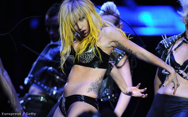 Lady Gaga szívesen mutogatja magát.