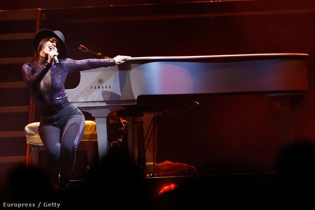 Nézzük Alicia Keys fotóit!