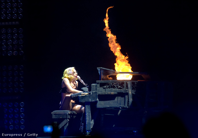 Nézzük Lady Gaga fotóit!
