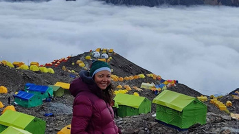 Oxigénpalack nélkül jutott 8000 méter fölé a magyar lány Nepálban