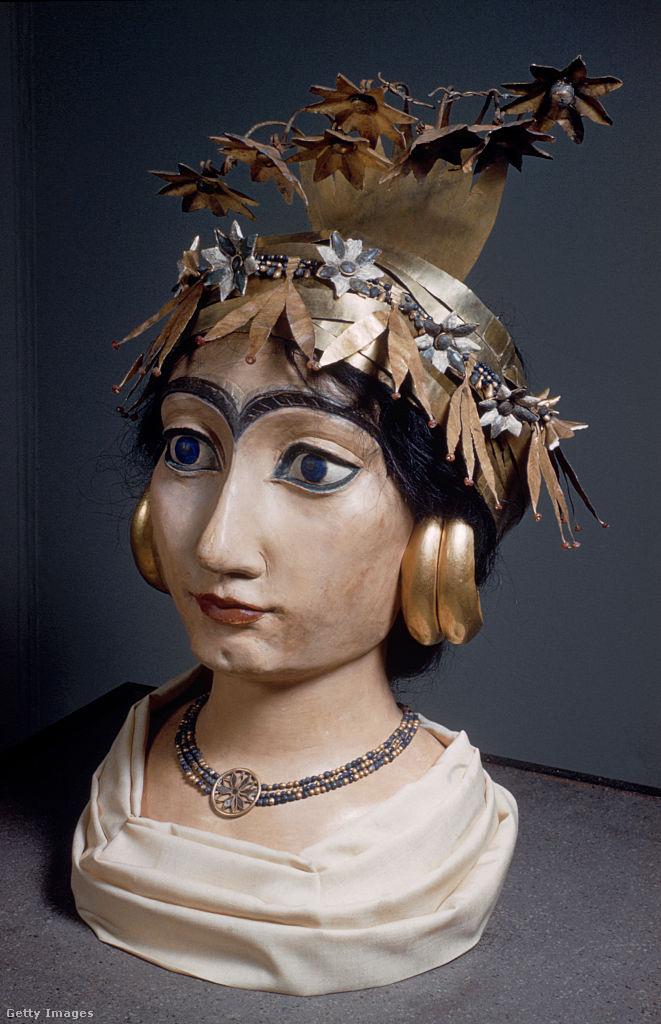 Subat sumér királynő vagy papnő.