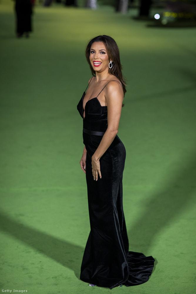 Eva Longoria estélyijét Vitor Zerbinato álmodta meg.