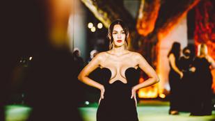 Olivia Rodrigo mellbimbóját csupán egy szövetdarab takarja