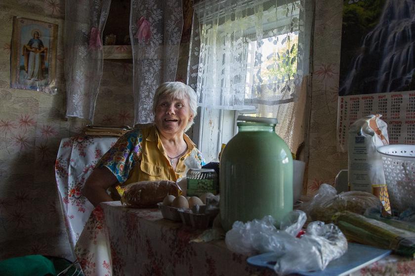 A fotókat készítő nő elárulta, azonnal egymásra hangolódtak Lyuskával. Annak ellenére, hogy egyedül él, egy nagyon nyitott, vendégszerető ember.