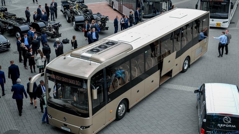 Debrecenben készül a Mercedes új busza