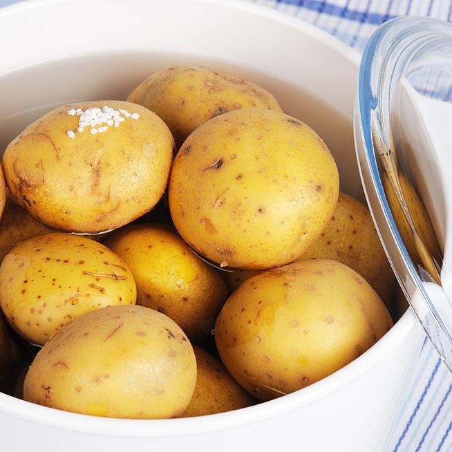 Ne öntsd ki a krumpli főzővizét: levesek és mártások készítésénél is hasznát veheted